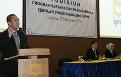 Opening speech untuk memberikan semangat juga selamat kepada para mahasiswa program sarjana&pascasarjana yang dikukuhkan kelulusannya dalam acara yudisium ipmi business school, bertempat di auditorium ipmi, jakarta, selasa (15/11/2016)#jg #ipmi #ipmibusin (jimmyganiofficial) Tags: motivatorindonesia ipmibusinessschool ipmi entrepreneur jg onevillageonecorporate pengusahasukses karyaanakbangsa sandiagauno motivatorterkenal komunitaspengusahamuda pengusaha katamotivasi katamutiara provenforceindonesia pengusahaindonesia kadin hipmi winningwithpassion tokohindonesia motivator komunitaspengusaha businesscoach jginstitute jimmygani bumn