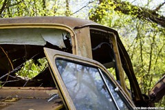 Casse auto - Simca 1000 (Deux-Chevrons.com) Tags: simca1000 simca 1000 1005 car coche voiture auto automobile automotive derelict neglected abandon abandonned rust rusty rusted rouille épave wreck wrecked casseauto casse barn find barnfind
