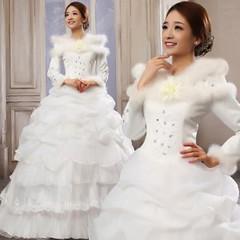 تشكيلة راقية من فساتين الزفاف الشتوية أناقة مثالية لكل عروس (Arab.Lady) Tags: تشكيلة راقية من فساتين الزفاف الشتوية أناقة مثالية لكل عروس