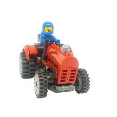 benny tractor (terryfay1983) Tags: lego legophotography legominifigure benny spaceship minifigs
