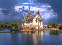 Ancient city temple (M. A. Changezi) Tags: thailand ancientcity bluehour dusk landscape longexposure march2016 outdoor samutprakan temple