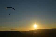 Parapente près du Viaduc de Millau (Michel Seguret Thanks for 10,4 M views !!!) Tags: sunset summer sky france sport nikon sommer coucher himmel viaduct ciel cielo couchant ete millau handgliding d800 larzac parapente viaduc aveyron michelseguret
