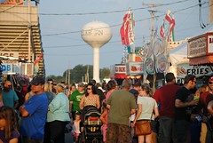 Walworth Wisconsin County Fair (Cragin Spring) Tags: summer people food wisconsin fairgrounds midwest watertower fair countyfair wi grandstand elkhorn vendors 2015 walworthcountyfair elkhornwi walworthcounty elkhornwisconsin