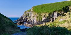 Nohoval Cove, Ireland (Vince O'Sullivan) Tags: ireland seascape landscape ruins europe cork countycork westcork westireland nohoval nohovalcove 1424mmf28g