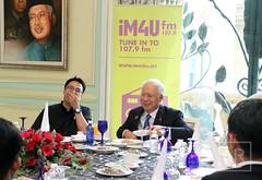 Makan Tengah Hari bersama Perwakilan Persatuan Pelajar Antarabangsa. (Najib Razak) Tags: pm hari bersama makan primeminister antarabangsa pelajar tengah 2015 persatuan perdanamenteri perwakilan najibrazak