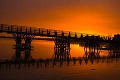 Atardecer Puente Antiguo (Garimba Rekords) Tags: puente atardecer andalucía madera cristina playa isla antiguo