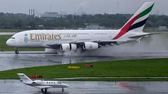 Emirates Airbus A380 A6-EDT (antowo1) Tags: canon eos airport emirates airbus a380 flughafen düsseldorf flugzeug regen 6d dus 100400 moppel ef100400f4556lisiiusm