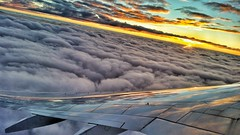 Überflieger (Patrick29985) Tags: sky sun holiday dawn sommer urlaub kreta wolken flugzeug sonne plain sonnenaufgang airplain morgenrot überflieger