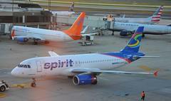 Spirit Air in PHL (sfPhotocraft) Tags: philadelphia airport spirit phl sunwing cflsw n606nk