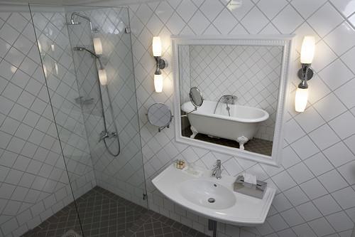 Kaikissa hotellihuoneissa oma kylpyhuone
