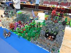 IMG_6851 (LUG Festibriques) Tags: montagne dragon lego exposition fantasy hotdogs jeu caverne fantastique auxerre 2015 scoubidou festibriques