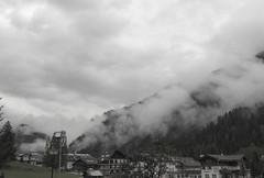 Houses in the clouds (Massimo Saviotti) Tags: panorama cloud mountain mountains fog clouds montagne landscape landscapes flickr nuvole nuvola vista monte nebbia mons paesaggi montagna paesaggio cima sightseen cumuli cirri massiccio nembi