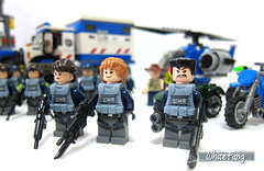 ACUs Commanders (WhiteFang (Eurobricks)) Tags: world white army control dinosaur background military pack soldiers combat section jurassic weapons platoon unit acu asset brickarms