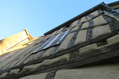 Dans les rues de Noyers (Yonne) (godran25) Tags: noyers bourgogne burgundy france yonne maisons colombages faade