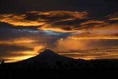 Smoke on the water... (Rod Anzaldua) Tags: smoke cloud sky mountain volcano humo cielo nube volcan 7dwf