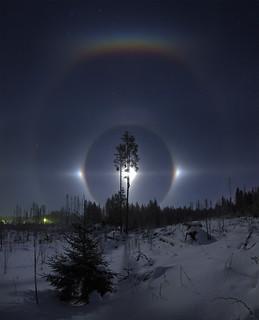 The most beautiful Moon halo i've seen so far
