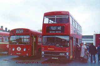 saturday shoppers November 1980 AEC Swift SMS257 + MCW Metrobus M454 GYE454W both route 142