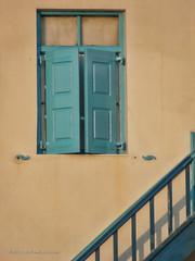 "Grecia 2008 (Ventana en Mykonos) • <a style=""font-size:0.8em;"" href=""http://www.flickr.com/photos/15452905@N02/31878958050/"" target=""_blank"">View on Flickr</a>"
