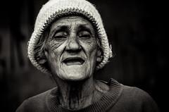 Foto- Arô Ribeiro -0233 (Arô Ribeiro) Tags: nikond7000 bibliosesc idoso sãopaulo leitora maua art