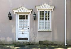 97 Bull Street (1800), Charleston, SC (Spencer Means) Tags: house doorway frame street bull harlestonvillage charleston sc southcarolina antebellum dwwg