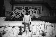 (sele3en) Tags: film 35mm 35mmgraffiti analog graffiti graffitiphotography ilford ilfordpan pan100 100push400 pushprocess pushfilm ilfordrapidfixer ilfotecddx aroe aroegraffiti aroeomutatas omutatas graffitibombing streetart urbanart russiangraffiti russianlife saintpetersburg saintpetersburggraffiti wall sprayart fatcap spraydaily