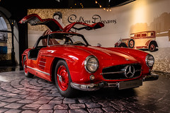 Golden Mercedes Dreams - No. 1 (*Capture the Moment* (OFF till End June)) Tags: 2017 300sl car design farbdominanz flügeltürer fotowalk gear gullwings icon ikone matthias mercedesbenz munich münchen sonya7m2 sonya7mark2 sonya7ii sonyfe1635mmf4zaoss red rot
