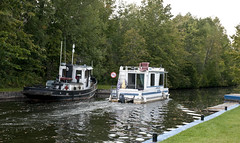 On the Way to Perth (cjh44) Tags: lock houseboat perth tug rideaucanal taycanal