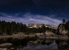 Julija & biseri (GregaKapun) Tags: mountain mountains alps reflection night stars slovenia gore mountaineering slovenija alpinelake mountainlake alpe alpinevalley tnp starynight julianalps gorenjska triglavnationalpark sevenlakes no planine triglavskinarodnipark julijskealpe odsev zvezde uppercarniola dvojnojezero canoneos60d julijci sevenlakesvalley sigma1750mmf28exdcos lepopije planinarjenje dolinasedmerihjezer alpskadolina