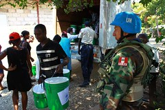 haiti_6 (( Voice Nature. )) Tags: haiti earthquake naturaldisaster hti idps bluehelmet nfis internallydisplaced greenbuckets unpresence bjorgvinsson belladere northamericaandthecaribbean dospalais