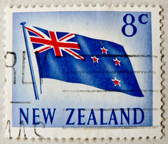 *the new old flag* great stamp New Zealand 8c (flag, Flagge, Wappen, Fahne, amorial bearings)   selyo Niyusiland   perangko Selandia Baru francobolli Nuova Zelanda    timbres-poste nouvelle-zlande    (stampolina) Tags: newzealand postes mail stamps flag porto timbre fahne commonwealth flagge postage postzegel franco neuseeland selo marka bolli wappen sello sellos briefmarken markas pulu briefmarke francobollo selos timbres francobolli bollo  mapka znaczki frimerker frimaerke sellodecorreo pullar timbru commonwealthofnations  postapulu amorialbearings postestimbres postestimbre selodecorreio antspaudai znamk
