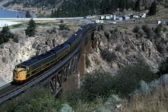 CN 102 E9 Lytton, BC  August 11, 2002 (Yukon Yeti) Tags: railroad cn railway canadian national locomotive e9 emd