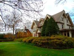 Autumn's Last Gasp (e r j k . a m e r j k a) Tags: pennsylvania allegheny sewickley abode house holiday autumn pa65 i79pa upperohiovalley erjkprunczyk explore
