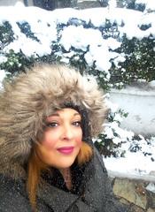 χιονι στο Παλαιο Φαληρο (Love me tender ♪¸.•*´¨´¨*•.♪¸.•*´) Tags: dimitrakirgiannaki photography greece greek people snow palaiofaliro 2017 selfportrait myself woman face
