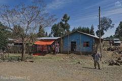 lungo la strada, on the road (paolo.gislimberti) Tags: ethiopia etiopia viaggio travel fotografiadistrada streetphotography case houses poverty povertà