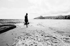Girl from ipanema (Klei Simões) Tags: beauty brasil the an girl arpex arpoador praia rio d ejaneiro cidade maravilhosa verão 2016 nikon street photography iso pb bw