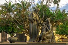 Cemitério (Vincent Zanicheli) Tags: cemitério dia olhar diferente pirassununga interior beleza tudo depende do seu