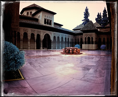 Palau dels Lleons (Ar@lee) Tags: granada palaciodelosleones alhambra artenazarí generalife fuente nikon d50 fullspectrum fotografíainfrarroja filtre720nm bordeparafotos espectrecomplet photographyinfrared ir nikond50 panorámica