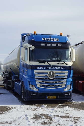 Mercedes-Benz Actros van Redder Transport B.V. met kenteken 88-BDZ-4 in Bemmel 15-01-2017