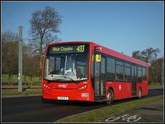 Abellio London 8785, Kent Gate Way (Jason 87030) Tags: addington red abellio bus e200 enviro transport sunny low floor shot sony alpha ilce nex a6000 bluesky view 8785 yx12dlv kentgateway