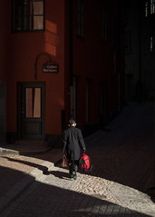 Slice of light (Markus Jansson) Tags: street streetphotography streetphoto stockholm shadow light morning hardlight contrast red