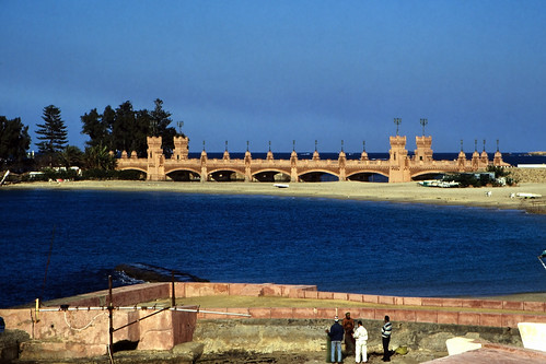 "Ägypten 1999 (780) Alexandria: El Montaza Bridge • <a style=""font-size:0.8em;"" href=""http://www.flickr.com/photos/69570948@N04/33422939645/"" target=""_blank"">View on Flickr</a>"
