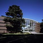 成蹊大学 情報図書館の写真