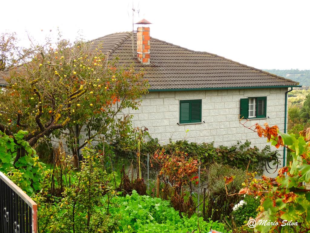 Águas Frias (Chaves) - ... uma casa da Aldeia ...