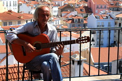 People of Lisbon pt.1 (Ondeia) Tags: panorama beautiful estate guitar lisboa sing singer chitarra lisbona portogallo 2015 terazza