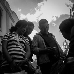 (Vctor Mndez (VM FotoVisual)) Tags: street sky people blackandwhite bw cloud blancoynegro mobile persona calle gente streetphotography bn cielo nubes oriental mvil fotografaurbana mobilephotography iphone4 fotografacallejera iphoneography fotografamvil vmfotovisual