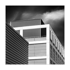 En la terrassa (ximo rosell) Tags: blackandwhite bw blancoynegro valencia architecture buildings arquitectura squares ombra edificio bn llum cuadrado ximorosell