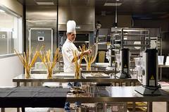 Luca Landi interpreta l'olio (scuolatessieri) Tags: chef grissini stellamichelin privilegio olioextravergine showcooking lucalandi primoevento scuolatessieri