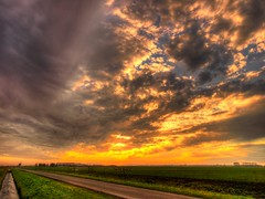 Heiloo Sunset (Skylark92) Tags: nederland netherlands holland noordholland sunset zonsondergang winter hdr wolken clouds sky lucht heiloo
