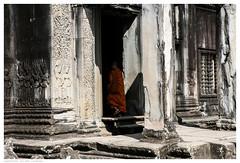 Angkor Wat (tote_nos) Tags: cambogia cambodia canon canon5d reflex viaggio trip oriente honeymoon vietnamcambodia 2016 october backpacking backpack backpacker east temple religion rocks god divine divinity monk orange pray angkor wat angkorwat