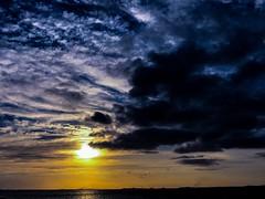 Sunrise over the Persian Gulf (mako@408) Tags: morning beachsunrise cloudysky uae
